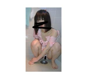 ○C2少女 おもらし後のパンツに尿が【顔出】