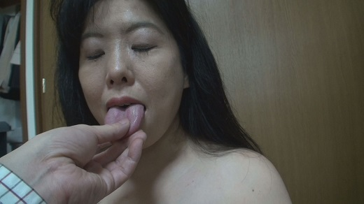 お掃除のおばさんのザラついた舌で昇天(完全オリジナル)