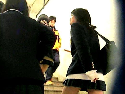 【高画質】JK1年生まゆゆのキティパンチラ公開 禁断の私立○岡学園 女子校生PREMIUMパンチラ3