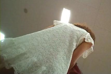 逆さ撮り美脚と可愛いパンツ雑誌を読んでいる所を【パンチラ動画】mmm 01〜08セット販売