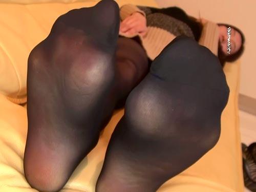 【足裏フェチ個撮動画.6】25歳受付嬢の黒パンスト脚と悶える生足裏 ★高画質 Full HD