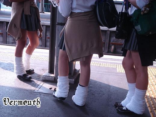 制服女子校生の通学風景 005と008セット販売