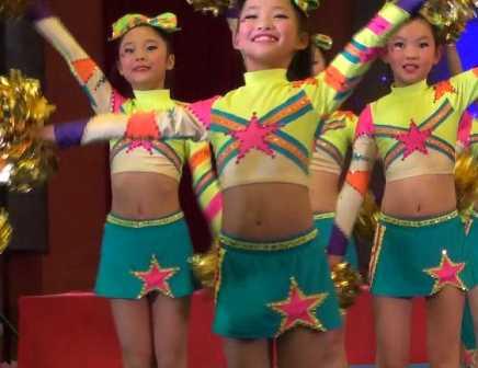 【フルハイビジョン】「小さな喜び組」中国JSチアに不覚にもイカされてしまいました(2)