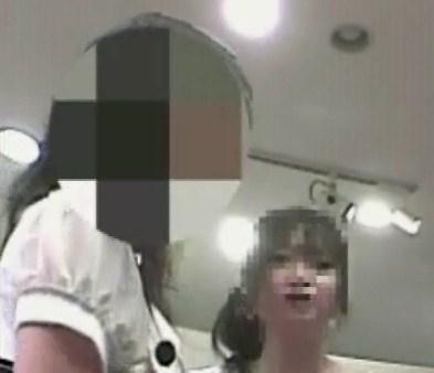 ショップ店員と話している元モー娘の紺野あさ美に似てるお客さんを逆さ撮り【動画】PF08