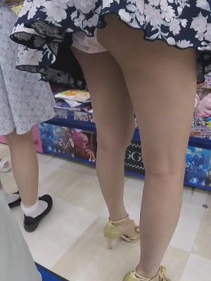 【フルHD】靴カメ君が行くPart361-B【ミニスカワンピJDちゃん手撮りめくり編】