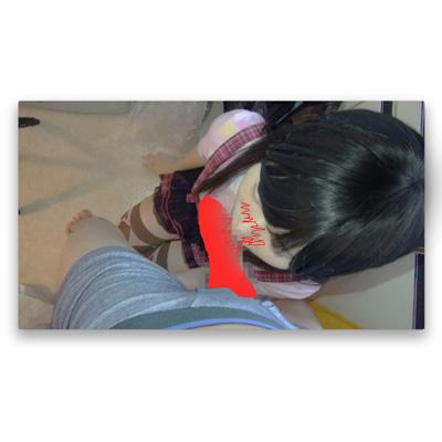 台所フェラチオ おさげの女の子の口の中の面積は狭い