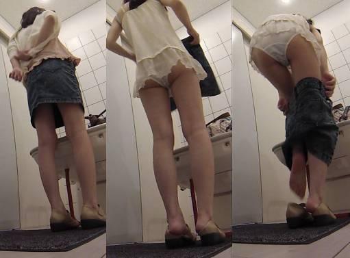 きれいなお姉さんの生着替え エロい下着姿を隠しカメラで盗撮 電車人 vol.40