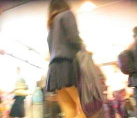 ハミパンしまくりw階段逆さ撮り制服ブルマ白パンチュ【パンチラ動画】コケクキカ 04と02セット販売