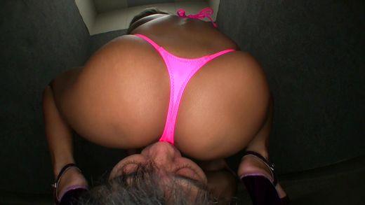 顔面騎乗位,巨乳,黒ギャル,開脚,美尻,手コキ,ビキニ,乳首攻め, Download