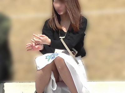 【お花見シリーズ017】 【FHD/60】新婚カップルの若妻ねらいうち