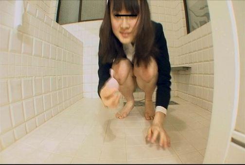 自画撮り この世でもっとも恥ずかしいうんち姿を自らカメラにさらすイカれた自画撮り娘! 10-2