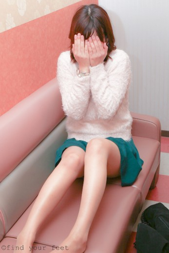 21歳大学生 まことちゃん(肌色ストッキング・パンチラ・ニーハイブーツ)