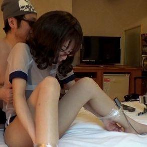 ブルマーのコスプレで手足を縛って攻める [フルHD]