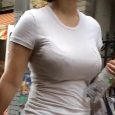 プレミアム!この夏一番の着衣超乳様!