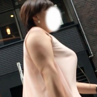 肥大化着衣巨乳対決!たっぷん派?どっしり派?