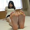 【足フェチ】りりこちゃんの恥ずかしい脚・足裏・足の動きをじっくり観察