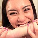 【噛みフェチ】噛みつき大好きメイちゃんの想像を絶する最強噛みつき!!(前編)【松本メイ】