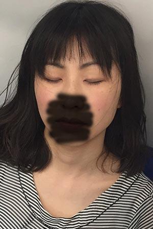 熟女痴漢:40代化粧臭