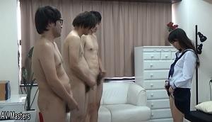 男だけ全裸で、センズリ手コキ足コキ発射!その3/6チ○ポ見比べ編