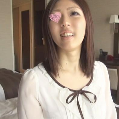 【完全個人撮影/地方妻】熊本の元バスガイド主婦26歳の網タイツ太ももにムラムラ。電マでオトしてデカ尻をパコ突き!