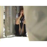 【覗き動画】Panty Voyeur/女子○生がパンチラしてます・・・隠し撮り。
