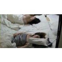 【覗き動画】寝てる女の子達を夜這いして、いたずらした・・・