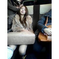 電車内で居眠りしてる美女がなんかめちゃくちゃエロい