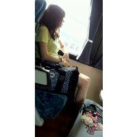 さっき電車に乗ってたら横の座席で着替え始めるエロいオーラ出してる女子大生(笑がいたんで撮影してみました