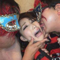 【個撮¥キモ男】シノノメユラ(バンギャ)【1】悲痛な表情で集団オヤジの顔射を受け続けるパンク娘