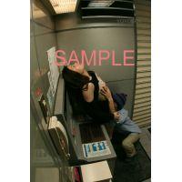 【ヤバ流出!】銀行ATM防犯カメラが捕らえた!ATMでHなことするカップル!豊満おっぱいがプルプル!