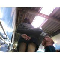 ♥現役ギャルJKさえちゃんの通学動画♥階段ローアングル盗撮風ムービー vol.10