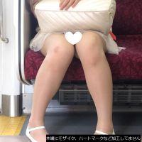 [無劣化FHD]電車からの風景〜かわいい私服JKのパ○チラ(フルHD)