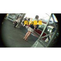HD盗撮風[オリジナル]電車の生足の綺麗なJD?