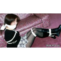 女子大生 まどか ミニスカ ブーツ 緊縛 布かぶせ猿轡