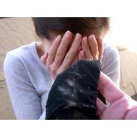 【ガチ個撮】人妻リオさんのオマンコに今の今まで密着してた激汚れ生パンティー