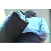 追跡!買い物中の腕まくり激ミニ女子校生【高画質パンチラ動画】110