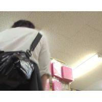 勃起度120%ロリ学生がこんなエロいパンツを履いてお買い物【高画質パンチラ動画】1003と506〜509セット販売