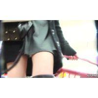 生足ロングブーツエロファッション20代前半の女の子【高画質パンチラ動画】802と112〜114 116〜118セット販売