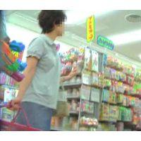 追跡!買い物中の40代お姉さん【高画質パンチラ動画】124