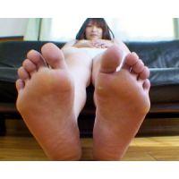《足フェチ》30代 ムチムチ独身女性の肉厚な足の裏