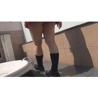 ◆女子●生美瑠の蒸れた足の裏を弄ったり洗ったり!