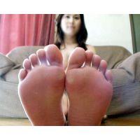 《足フェチ》30代 綺麗な奥さんのピンクの足裏