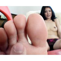 《足フェチ》30代 美人OLの清潔感のある綺麗な足裏