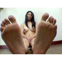 《足フェチ》30代 美巨乳奥様の足の裏