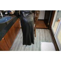 Y14熟女レザースカート