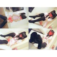 C性メイド3【黒ニーソ+スカートたくしあげ+足こき】動画+写真