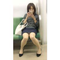 【セット販売】電車内の真面目な雰囲気が伝わる美脚美人OL