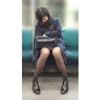電車内のモデル風極上美女の無防備黒スト美脚(其の六)