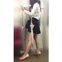神々しすぎる!綺麗すぎる美脚を見せびらかすありえないミニスカ美人(其の三)