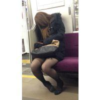 (前編)電車内の薄ストッキングの美脚おねえさん